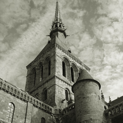 michel-le-saint-church-mont-normandy-steeple-spire_121-67505